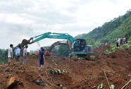 Bị 70.000m3 đất vùi lấp, đường sắt Hà Nội-Lào Cai đứt đoạn nhiều ngày