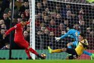 """Chấp"" Sanchez 45 phút, Arsenal thua thảm Liverpool"