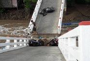 Sập cầu ở Cà Mau, nhiều người rơi xuống sông