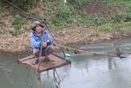 Gần 20 năm qua sông bằng cáp treo tự chế