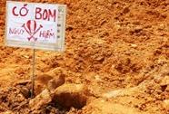 Mở đường lên thiền viện, đụng phải 1 quả bom dài 1 m