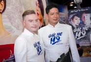 Sau xì- căng- đan ngoại tình, Bình Minh một mình dự ra mắt phim