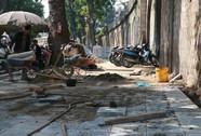 Kiểm tra đột xuất, Chủ tịch Hà Nội phát hiện lát đá vỉa hè bừa bãi