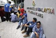 Malaysia giảm gánh nặng cho người lao động nước ngoài