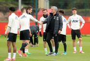 """Mourinho """"phản pháo"""" HLV Ajax"""