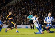 """Bàn thắng """"siêu rùa"""" giúp Newcastle dẫn đầu Championship"""
