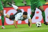 Aguero nhập viện cấp cứu sau trận Argentina thua thảm Nigeria