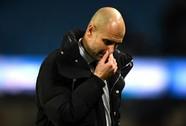 """Guardiola đối mặt với 2 tháng """"giông bão"""""""