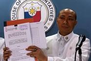"""Yêu cầu luận tội Tổng thống Duterte """"chết yểu"""""""