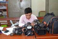 Nhân viên quán karaoke trộm camera, máy ảnh của chủ