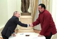 Chơi thân với Putin, tài tử Steven Seagal bị Ukraine cấm cửa