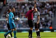 Mất người, thầy trò Benitez thua đau Tottenham ngay trên sân nhà