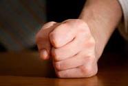 Thua bạc bán thân, bị chặt 2 ngón tay ở sòng bạc