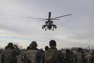 """Ukraine bắt 2 lính Nga """"đi lạc"""""""
