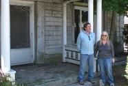 Mua 1 ngôi nhà, sống cùng lúc ở Mỹ và Canada