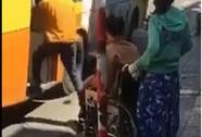 Xe buýt từ chối chở người khuyết tật