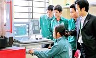 """Ý thức kỷ luật kém khiến lao động Việt """"mất giá"""""""