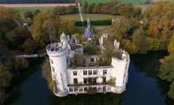 Bên trong lâu đài cổ nước Pháp có hơn 9.000 chủ nhân