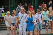 Sức ép tăng trưởng của du lịch