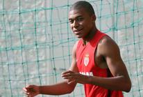 Real đạt thỏa thuận mua Mbappe với giá 161 triệu bảng