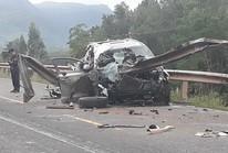 Tai nạn ô tô kinh hoàng, 2 người chết, 2 trọng thương