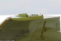 Máy bay Anh vỡ cánh trên đường tới Cuba