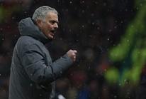 Mourinho tố Man City ăn may