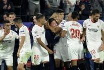 Làng bóng đá động viên HLV bị ung thư của Sevilla