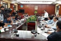 """Bộ trưởng Nông nghiệp họp khẩn để """"giải cứu"""" ngành chăn nuôi heo"""