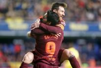 """Nhấn chìm """"tàu ngầm vàng"""", Barcelona vững ngôi đầu La Liga"""