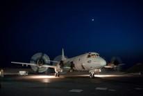 Máy bay Trung Quốc vọt lên, chặn đầu máy bay Mỹ