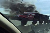 Xe container bốc cháy ngùn ngụt trên cao tốc Long Thành- Dầu Giây