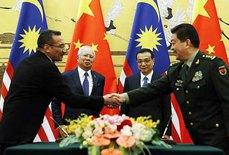 """Trung Quốc sẽ """"giải khát vũ khí"""" cho Malaysia"""