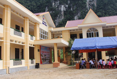 Vietnam Airlines xây trường tặng học sinh vùng cao Quảng Bình