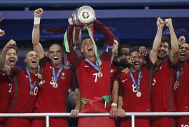 Nước mắt Ronaldo, nụ cười Bồ Đào Nha