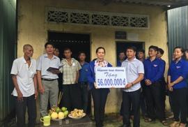 """Báo Người Lao Động xây nhà tặng """"Bé Cụt"""""""
