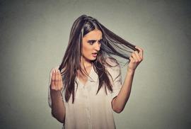 Người phụ nữ nghiện ăn tóc