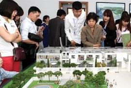 Giá nhà Việt Nam: Giàu mua không hết, nghèo lần không ra
