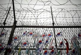 Tranh cãi chuyện ông Donald Trump đến khu DMZ liên Triều