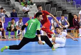 Clip: Rượt đuổi tỉ số, futsal Việt Nam ngược dòng hạ Trung Quốc