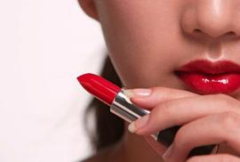 Mua son môi, lây… bệnh tình dục