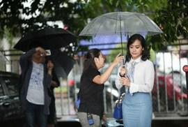 """Hồng Ánh làm """"nàng thơ"""" của Nguyễn Quang Dũng"""