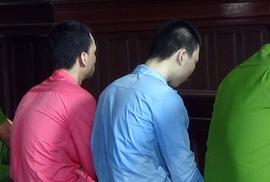 Kẻ giết người yêu vứt xác xuống mộ câm lặng trước tòa