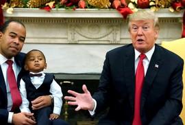 """Công tố viên Mỹ vượt """"lằn ranh đỏ"""" của ông Trump"""