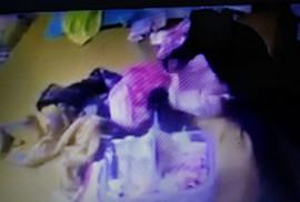 """Mẹ chết lặng thấy con gái 2 tháng tuổi bị người giúp việc """"tra tấn"""""""