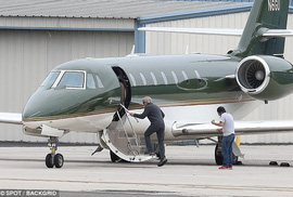 Harrison Ford lại gặp rắc rối với máy bay