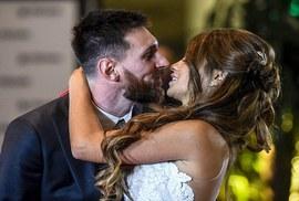 Sao bóng đá tề tựu dự đám cưới Messi