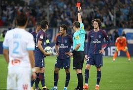 Đánh nguội đối thủ, Neymar lần đầu bị đuổi ở Ligue 1