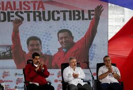 """Venezuela """"dọn dẹp"""" ngành dầu"""