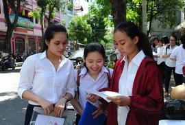 Nắng nóng khiến thí sinh Đà Nẵng ngất xỉu trong môn thi đầu tiên